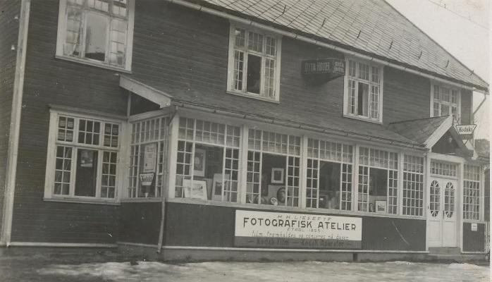 Dette er et bilde av det gamle kommunehuset på Otta.